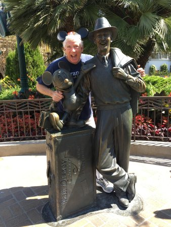 Disney California Adventure Park: Mickey, Walt and Me in California Adventure!