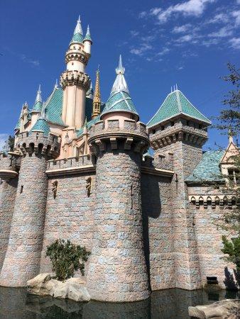 Disney California Adventure Park: Cindarella's Castle, California Adventure