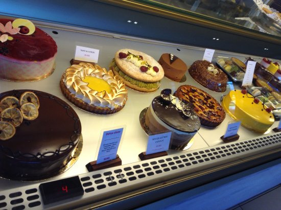 Bromont, Canada: Cake Selection