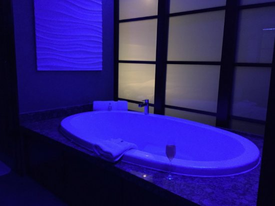 Shade Hotel: The jacuzzi tub had multi color rope lights above that changed color