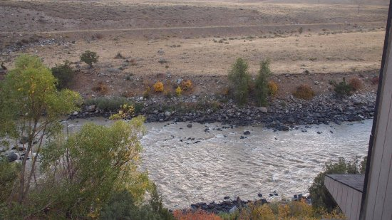 BEST WESTERN PLUS By Mammoth Hot Springs: View of Yellowstone River from our balcony.