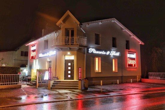 le carre rouge sundhoffen restaurant bewertungen. Black Bedroom Furniture Sets. Home Design Ideas