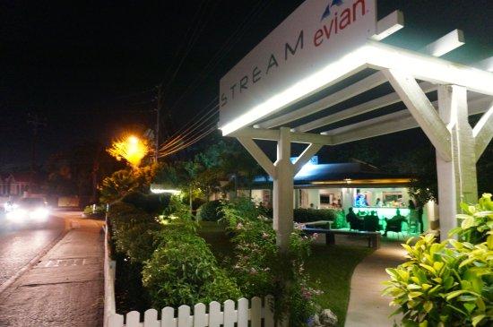 Worthing, Barbados: The Stream Bar & Restaurant