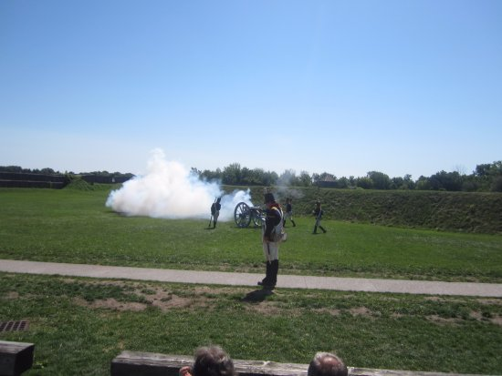 Fort George National Historic Site of Canada: Artillery display