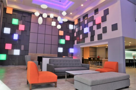 Best Western Plus Meridian Inn & Suites, Anaheim-Orange: Lobby of Best Western Plus Meridian Inn Orange Anaheim