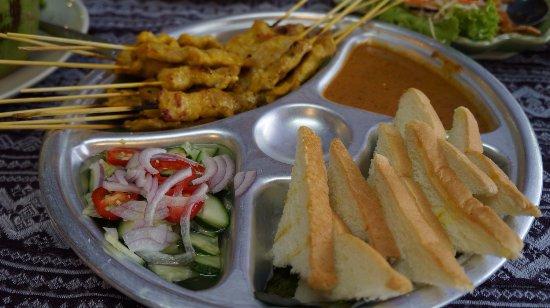 Pak Nam, Tailândia: moo satay