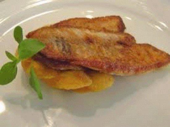 Guaira, PR: Tilapia frita com sabor excepcional
