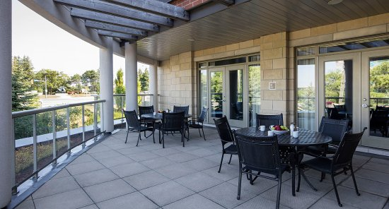Delta Guelph Hotel and Conference Centre : Terrace Boardroom - Patio