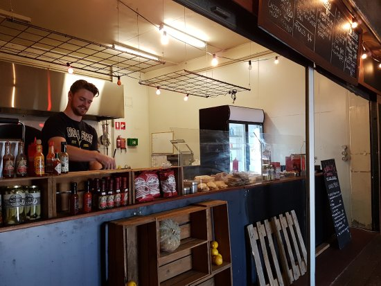 Preston, Australia: Burn City Smokers