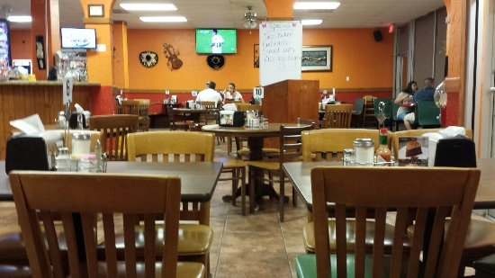 Taylor, TX: Inside the Restaurant