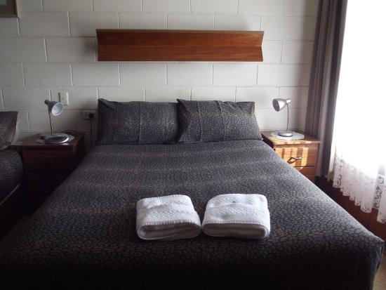 Morwell Parkside Motel: twin room