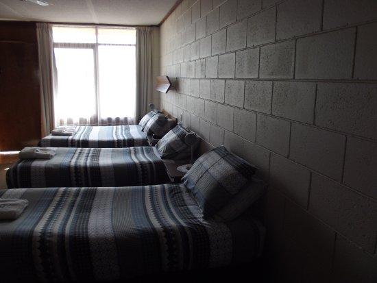 Morwell Parkside Motel: Famley room