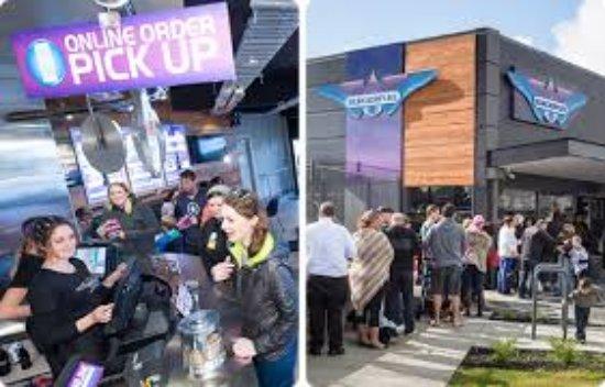 Silverdale, نيوزيلندا: Opening Day