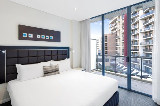 Meriton Serviced Apartments George Street, Parramatta