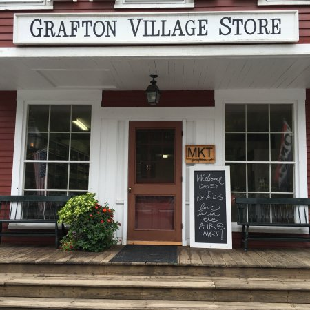 Grafton, VT: The store inside and outside
