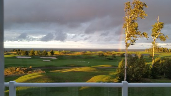 Wallace, Canada : The Fox Harb'r Resort golf course, bathed in extraordinary sunlight.