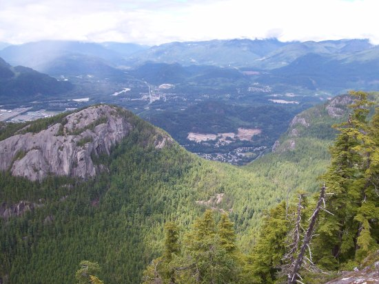 The view from Squamish Valley lookout