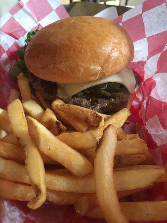 Kremmling, โคโลราโด: Pepper jack cheeseburger with grilled onions!