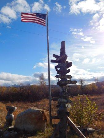 EarthSong Lodge - Denali's Natural Retreat: American Flag