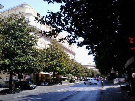 Vista de la via veneto picture of via veneto rome for Complementi d arredo via veneto