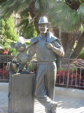 Park Disney California Adventure: Walt and Mickey