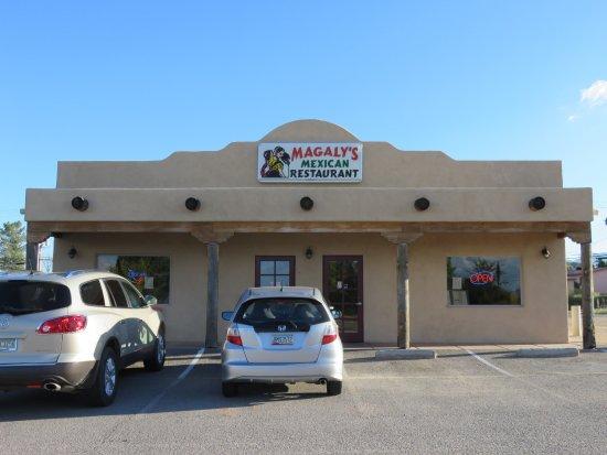 Benson, AZ: Outside of restaurant