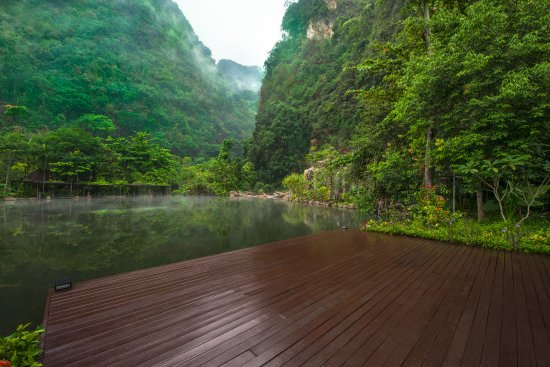 The Banjaran Hotsprings Retreat: Open deck at The Banjaran