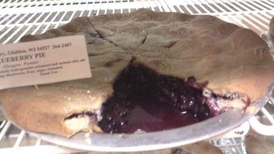 Ashland, WI: Yummy pies from the Black Bear Bakery in Glidden