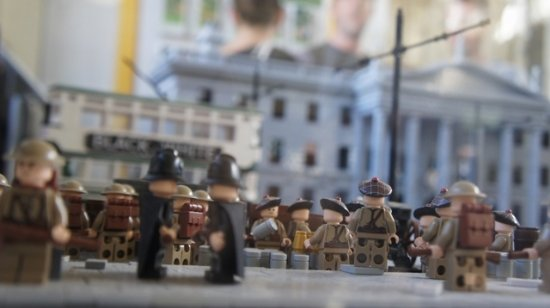 General Post Office (GPO): British soldiers, GPO in background