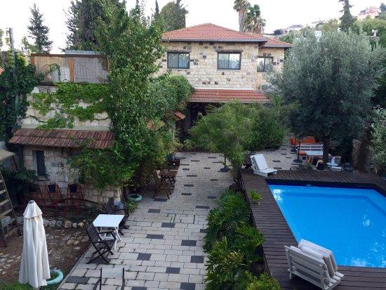 Shulamit Yard: photo0.jpg