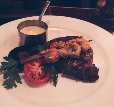 Upstairs at The Grill : Steak and Prawns