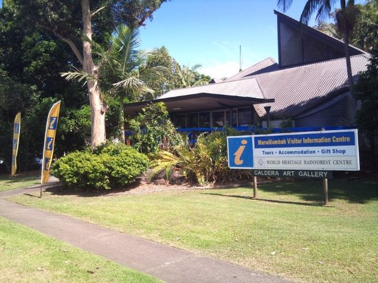 Murwillumbah Visitor Information Centre is located on the corner of Tweed Valley Way and Alma St