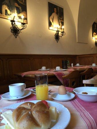 St. Florian, Áustria: 朝食