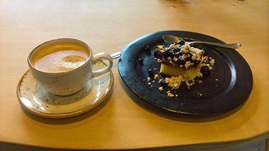 Holbaek, Dinamarca: Kaffe 🍵 og kage 🎂 i Maskinværkstedet