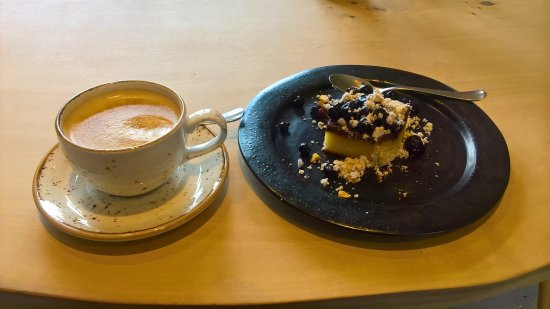Holbaek, Dinamarca: Kaffe 🍵 og kage 🎂 Maskinværkstedet