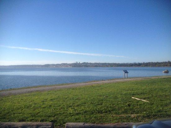 Blaine, WA: View to the north (Canada at the horizon)