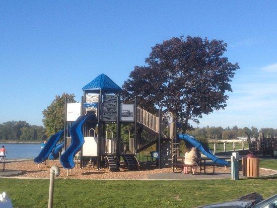 Blaine, WA: The more-impressive play structure