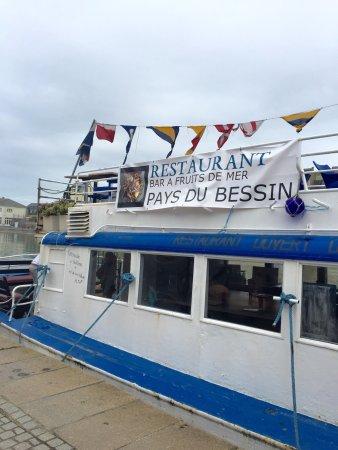 Pays du bessin port en bessin huppain restaurant avis num ro de t l phone photos tripadvisor - Restaurant l ecailler port en bessin ...