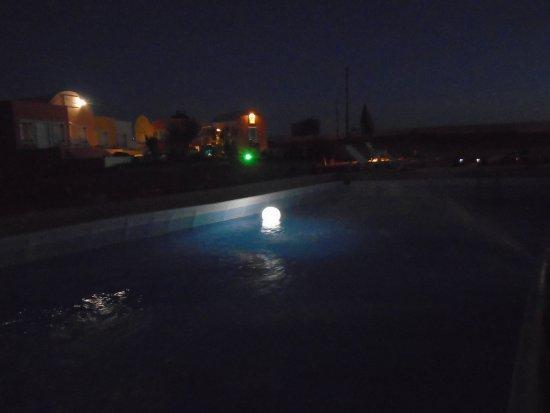 Abyssanto Villa: Pool area Night shoot...