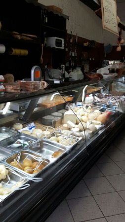 Venafro, Italia: Interno locale