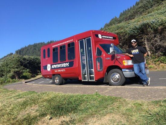 Florence, Oregón: The Adventures Bus.