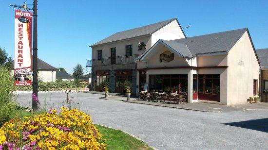 Notre établissement est situé route de Cossé - Laval face à l'entrée du Château de Craon