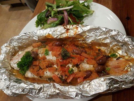 Milton, Australien: The pizzas and restaurant food
