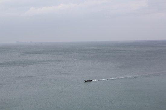 Lanta Sport Resort: Boat