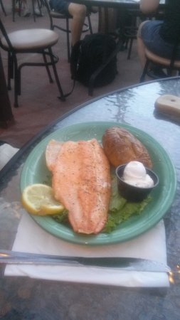 Clarke's Restaurant: salmone
