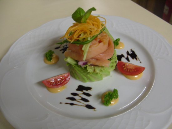 Swellendam, Sudáfrica: Smoked Salmon Trout and Avocado Salad