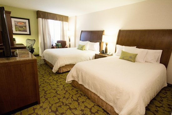 Hilton Garden Inn Saskatoon Downtown: 2 Queen Beds