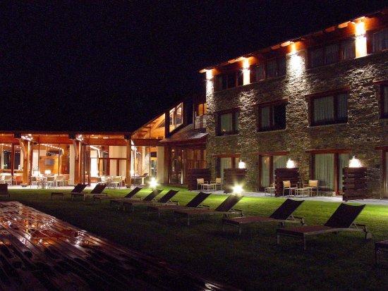 Soriguerola, España: Hotel -nocturna