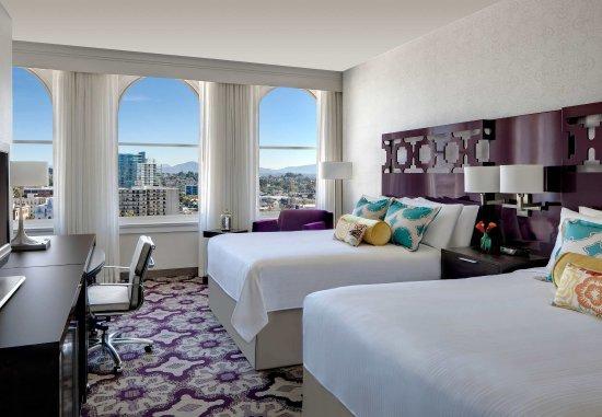 Courtyard San Diego Downtown: Queen/Queen Guest Room