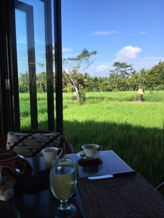 The Chedi Club Tanah Gajah, Ubud, Bali – a GHM hotel: Open airで朝食